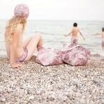 Conjunto bañador, gorro, bolsa de playa niiña